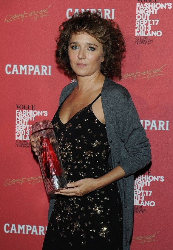 Valeria_golino_fashionfiles_red_passion_prize
